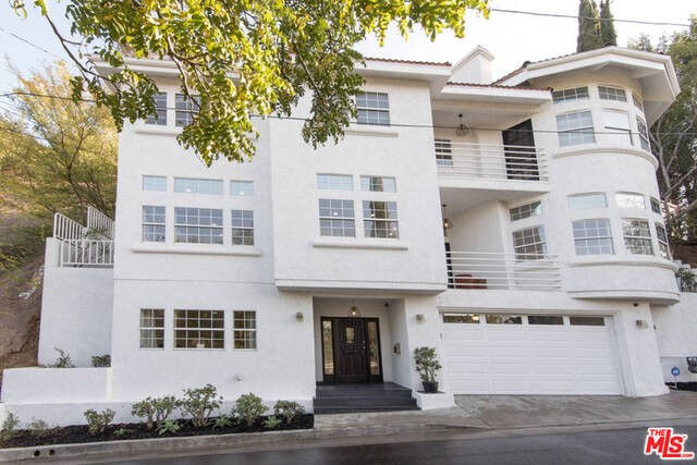 Single Family Home for Rent at 1120 Oban Drive Los Angeles, California 90065 United States