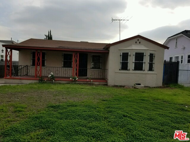 Single Family Home for Rent at 3716 59th Place W Los Angeles, California 90043 United States