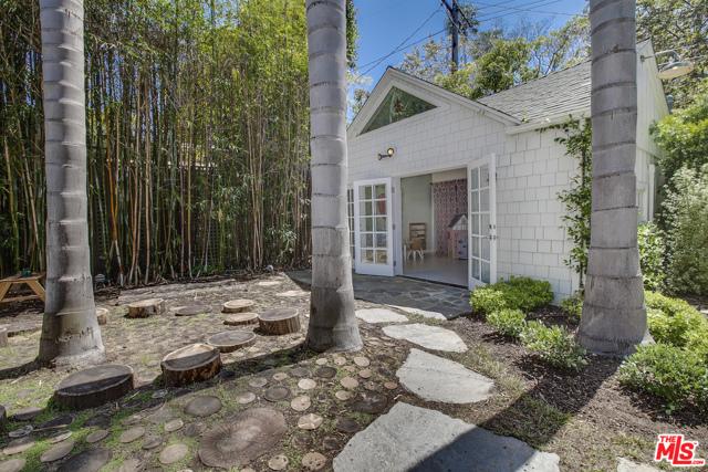 343 Sycamore Rd, Santa Monica, CA 90402 photo 29