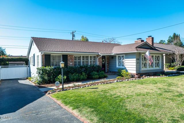 2180 Brigden Road, Pasadena CA: http://media.crmls.org/mediaz/A4EC05E6-00FA-4198-8F68-9D34FF96608A.jpg