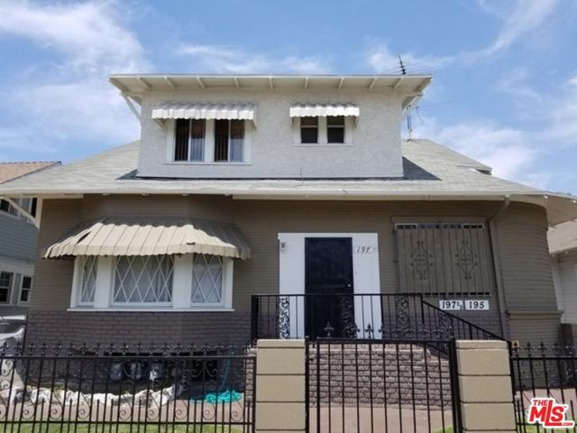 195 W Vernon Avenue, Los Angeles CA: http://media.crmls.org/mediaz/A4EF72C9-76AB-4F59-9CAF-5F0FAD95C515.jpg