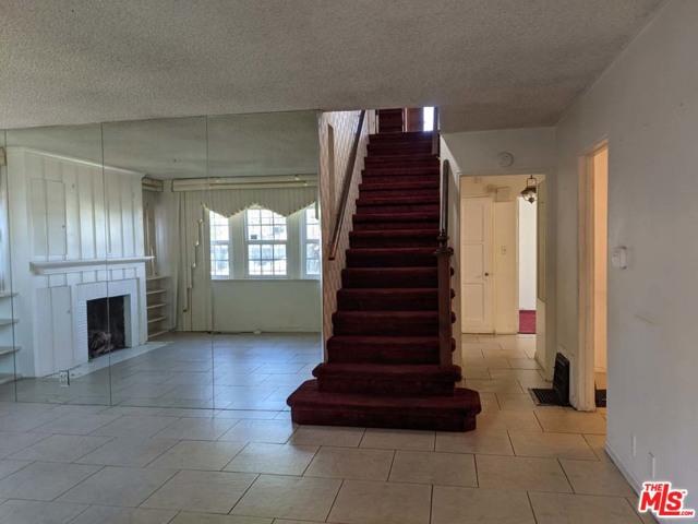 332 W Laurel Street, Compton CA: http://media.crmls.org/mediaz/A51CFE4E-2FC2-41DD-AC93-8DFC7DDF6462.jpg