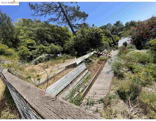 2142 Junction Ave, El Cerrito CA: http://media.crmls.org/mediaz/A538F881-3F48-404D-9146-4A1D611A6768.jpg