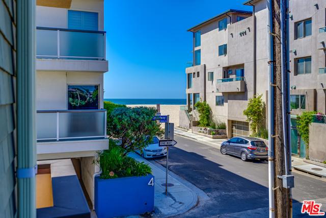16 Quarterdeck 101 Marina del Rey CA 90292
