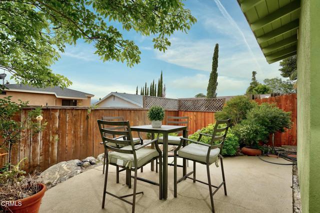 2918 Gertrude Avenue, La Crescenta CA: http://media.crmls.org/mediaz/A5D6ACA4-D093-4FA1-8799-B07ECDA4FE37.jpg