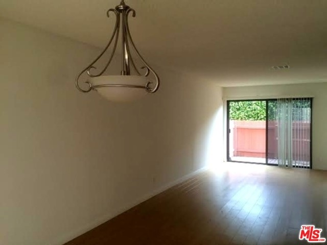 922 Lincoln, Santa Monica, CA 90403 Photo 3