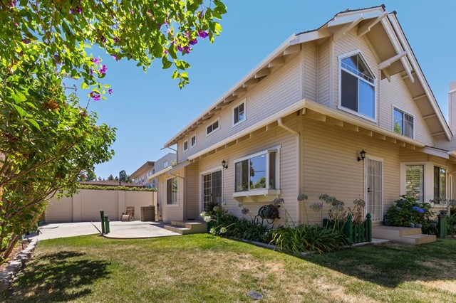 878 Windmill Park Lane, Mountain View CA: http://media.crmls.org/mediaz/A5FF5D45-9FBD-4F4B-AF8C-C8C24395A6F7.jpg