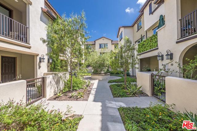 1530 W 1St Street, Santa Ana CA: http://media.crmls.org/mediaz/A61213E3-E322-4D96-8B90-850625C1A76B.jpg
