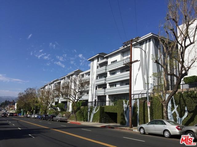 160 S VIRGIL Boulevard, Los Angeles CA: http://media.crmls.org/mediaz/A61694C8-73C1-49D3-BAB4-F6E2BA36D7ED.jpg
