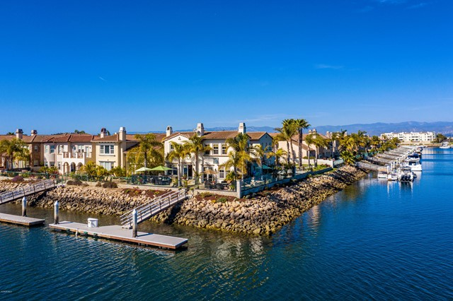 Photo of 1560 Twin Tides Place, Oxnard, CA 93035