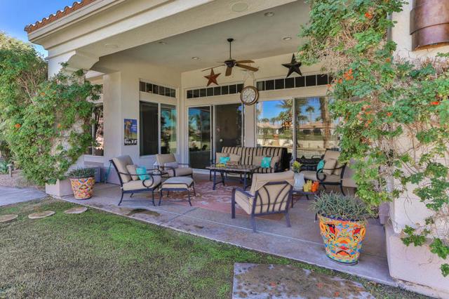 81410 Golf View Drive, La Quinta CA: http://media.crmls.org/mediaz/A688E8B1-DDB7-4465-B3C4-70D3EFFF4AF4.jpg