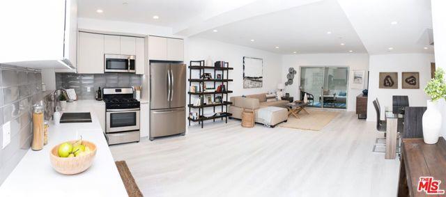 625 S BARRINGTON Avenue, Los Angeles CA: http://media.crmls.org/mediaz/A6A9A37A-A3D9-4393-A232-69790ACEC190.jpg