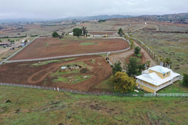 39201 San Ignacio Road, Hemet CA: http://media.crmls.org/mediaz/A6C6363C-8387-4A3B-A901-DDC4F8DBBDBC.jpg