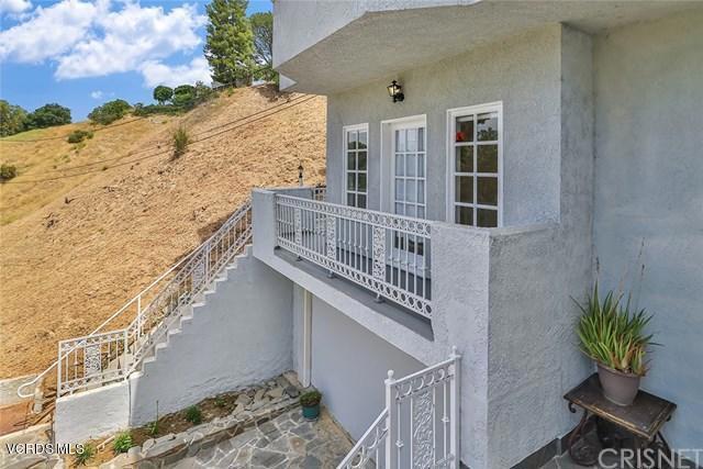 4634 Esparto Street, Woodland Hills CA: http://media.crmls.org/mediaz/A7524A51-4358-40C0-850C-8D09EA079EE0.jpg