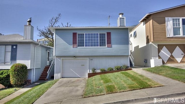 Photo of home for sale at 142 Belcrest Ave, Daly City CA