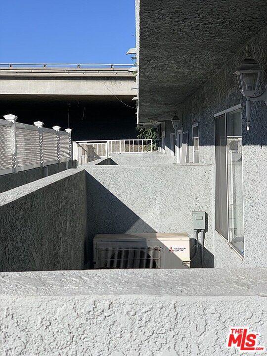 2471 Sawtelle Boulevard, Los Angeles CA: http://media.crmls.org/mediaz/A7A4300F-AD17-4363-A09B-7801E4779561.jpg
