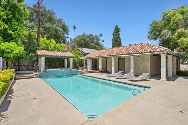 695 Lakewood Place, Pasadena CA: http://media.crmls.org/mediaz/A7A70551-C157-4DCF-8B92-9C11A8753598.jpg