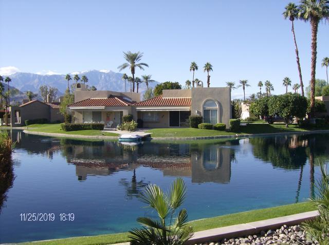 212 Desert Lakes Drive, Rancho Mirage CA: http://media.crmls.org/mediaz/A7B8864D-F1A8-4AE6-ADBF-4AD6F8D3179E.jpg