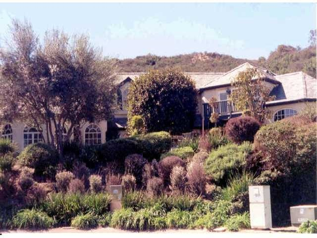 Photo of home for sale at 14104 Dalia Dr, Rancho Santa Fe CA