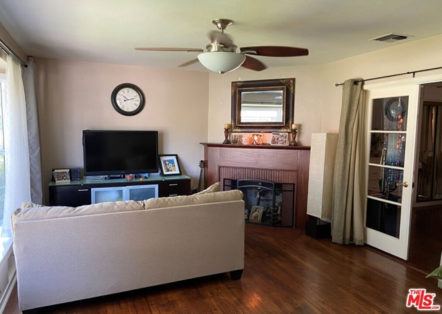 28 E Newman Avenue, Arcadia CA: http://media.crmls.org/mediaz/A811B3E5-2CFD-41F2-A296-B11EE74D19EC.jpg