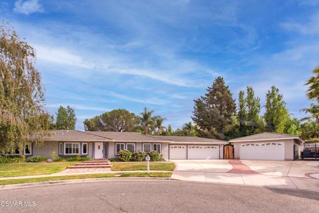 658 Bonwit Place, Simi Valley CA: http://media.crmls.org/mediaz/A86908BF-A1B8-47AA-805E-93765C98116E.jpg