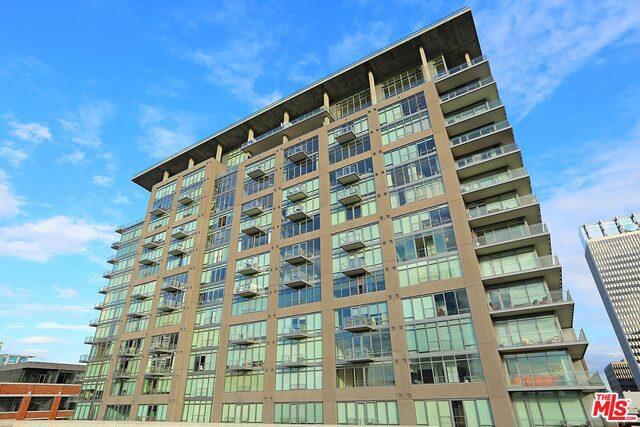 Condominium for Rent at 1100 Hope Street S Los Angeles, California 90015 United States