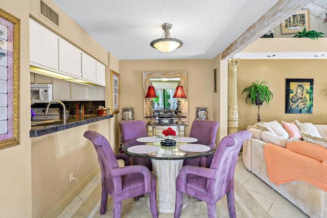 369 Wimbledon Drive, Rancho Mirage CA: http://media.crmls.org/mediaz/A8CC47A6-61CA-48F6-A253-C87E1105C6AA.jpg