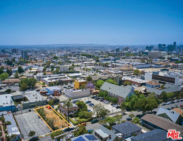 1622 Rockwood Street, Los Angeles CA: http://media.crmls.org/mediaz/A8D7CDF2-2804-4F9E-80BB-F780F855B7F1.jpg