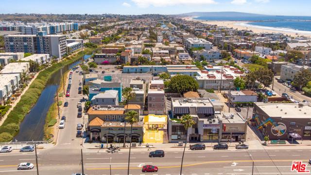 116 WASHINGTON Boulevard, Venice, California 90292, ,Residential Income,For Sale,WASHINGTON,20585882