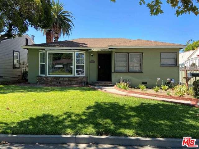 28 E Newman Avenue, Arcadia CA: http://media.crmls.org/mediaz/A9494C39-62A0-4E5F-B472-29DEFB1A7F37.jpg