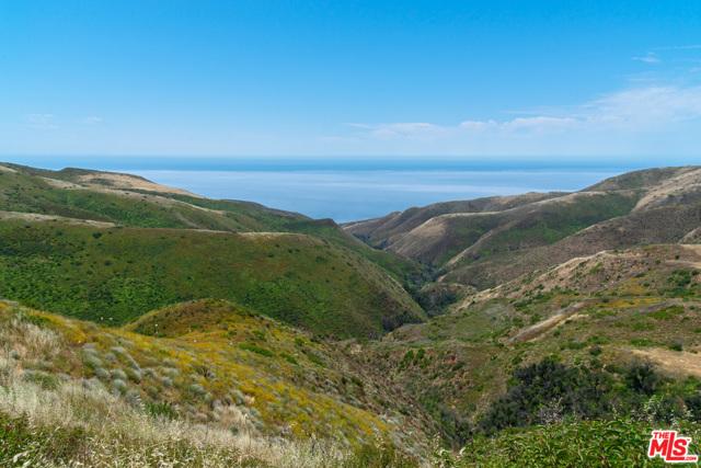 11100 Pacific View Road, Malibu CA: http://media.crmls.org/mediaz/A96187FB-B889-4918-8019-BB545E76F79A.jpg