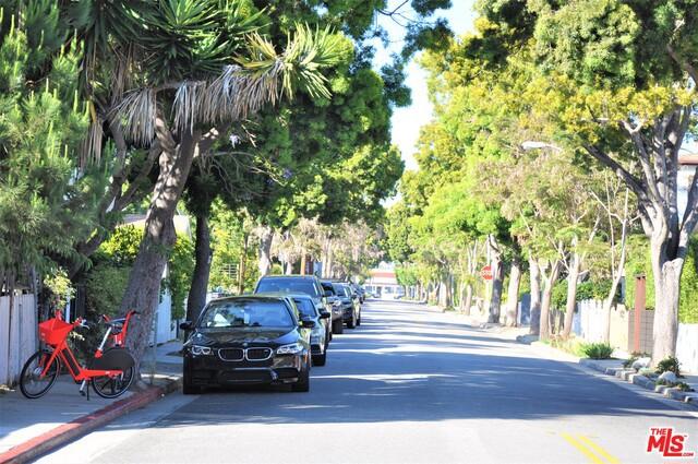 645 Navy St, Santa Monica, CA 90405 photo 3