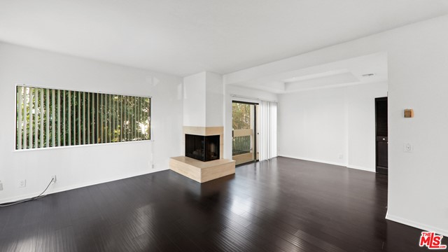 234 S Tower Drive, Beverly Hills CA: http://media.crmls.org/mediaz/AA36F885-A5CF-4B71-B773-5CDBAAF07D33.jpg