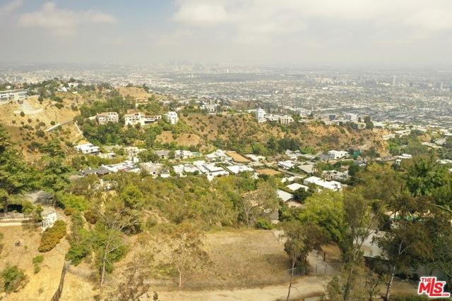 9229 Crescent Drive, Los Angeles CA: http://media.crmls.org/mediaz/AA6425B0-5800-49E1-8DBA-5A42FC6133AF.jpg
