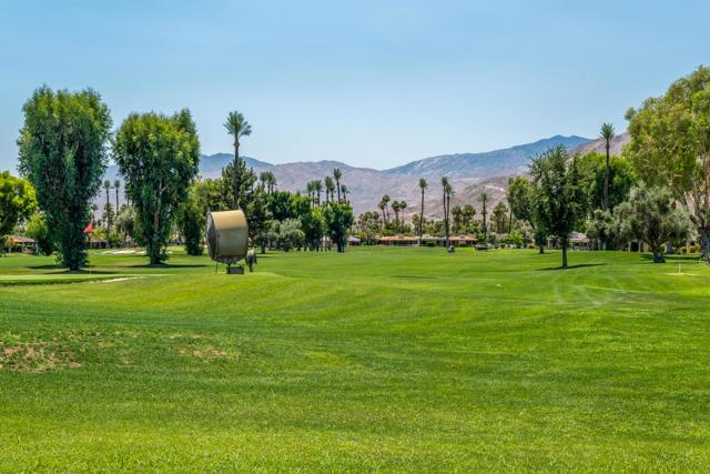 25 Columbia Drive, Rancho Mirage CA: http://media.crmls.org/mediaz/AA7B7E9B-BCE2-434E-A256-458420EC31E0.jpg