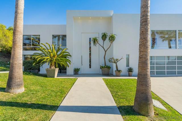 7713 Esterel Drive, La Jolla CA: http://media.crmls.org/mediaz/AACDF01C-B5F3-4C85-92E5-419D46E14144.jpg