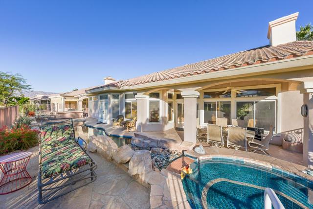 37647 Westridge Avenue, Palm Desert CA: http://media.crmls.org/mediaz/AB06C261-E159-48F4-BCA2-331ADC382C15.jpg