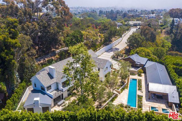 Photo of 937 Las Lomas Avenue, Pacific Palisades, CA 90272