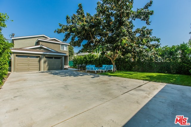 2741 S PALM GROVE Avenue, Los Angeles CA: http://media.crmls.org/mediaz/AB3FE9FE-C3D1-4496-8608-0BD015AFCD50.jpg
