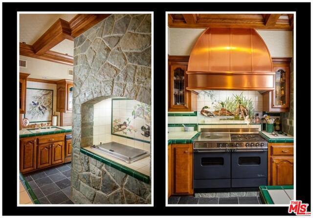 27417 NORTH BAY Road, Lake Arrowhead CA: http://media.crmls.org/mediaz/AB59A89A-3F5B-44E7-9A13-D9B2617A5BEC.jpg