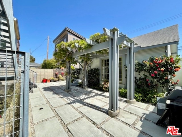 804 Brooks Ave, Venice, CA 90291
