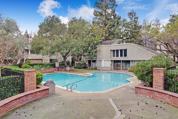 1806 Braddock Court, San Jose CA: http://media.crmls.org/mediaz/ABF547B8-0B36-4003-90FE-88155B580284.jpg