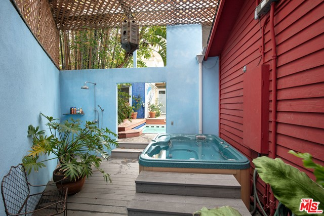 805 Hampton Dr, Venice, CA 90291 photo 11