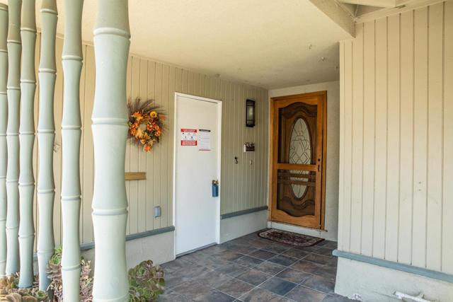 26832 Circle Of The Oaks, Newhall CA: http://media.crmls.org/mediaz/AC687BDA-6810-4E40-A04D-956AB91A2DB1.jpg