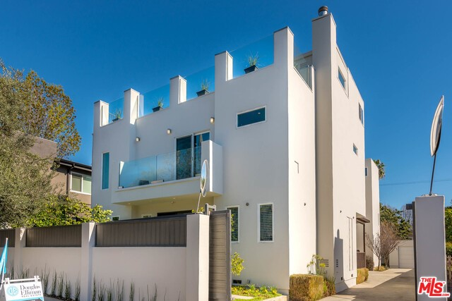 Single Family for Sale at 1336 Fairfax Avenue N West Hollywood, California 90046 United States