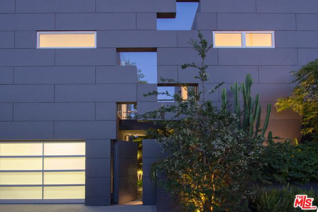 1201 CABRILLO Venice CA 90291