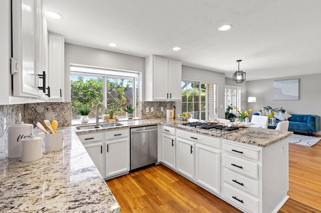 878 Windmill Park Lane, Mountain View CA: http://media.crmls.org/mediaz/ACF2F39F-58BA-4A0F-8A1A-6858DE67C4C8.jpg