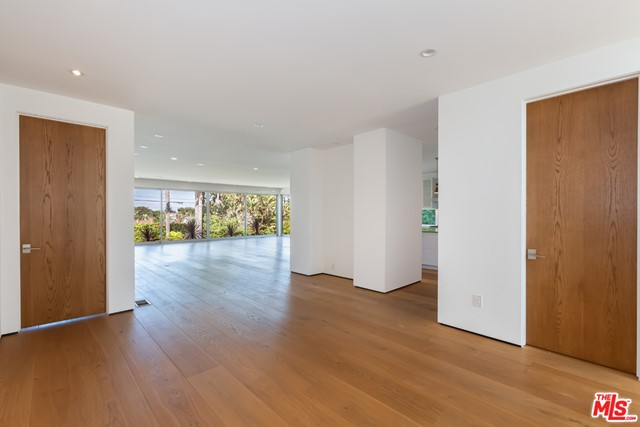 3524 Mountain View Ave, Los Angeles, CA 90066 photo 4