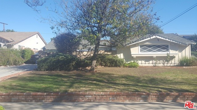 9162 MCLENNAN Avenue Northridge, CA 91343 is listed for sale as MLS Listing 17193520