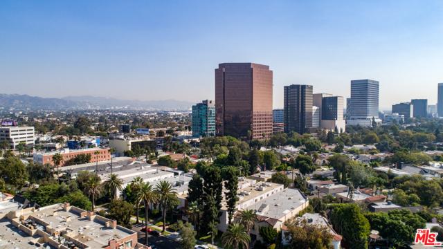 234 S Tower Drive, Beverly Hills CA: http://media.crmls.org/mediaz/AD78769A-5843-4A4F-9695-A4DA1B1F59A8.jpg